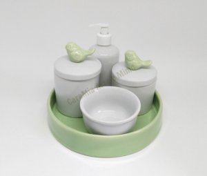 Kit Higiene Bebê Porcelana| Pássaro Verde  + Bandeja Cerâmica Verde| 5 peças