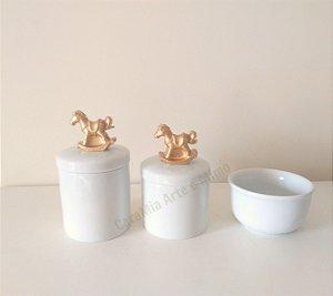Kit Higiene Bebê Porcelana| Cavalinho Dourado| 3 peças