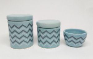 Kit Higiene Bebê Cerâmica | Chevron Azul Antigo e Cinza