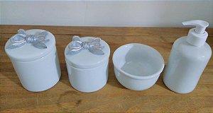 Kit Higiene Bebê Porcelana Laço Prateado 4 peças