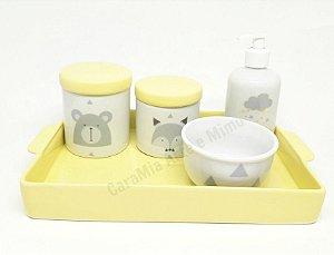 Kit Higiene Bebê Porcelana Escandinavo com Bandeja Amarela e Chuva de Estrelinhas