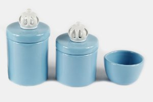 Kit Higiene Bebê Cerâmica | 3 peças| Azul Bebê com Apliques de Coroas Branquinhas