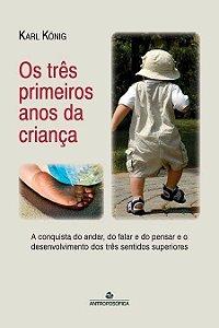 """Livro """"Os três primeiros anos da criança"""""""
