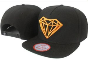 Boné Diamond Supply Preto e Laranja