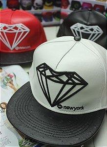 Boné Snapback Diamond Leather - Diversas Cores ( Unissex )