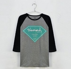 Camiseta Manga Longa Feminina Diamond Supply  ( Cinza Com Preto )