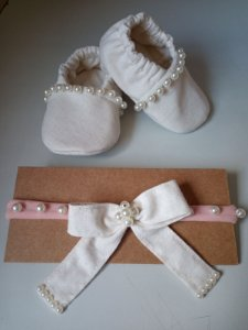 Kit faixinha de meia + sapatinho em linho