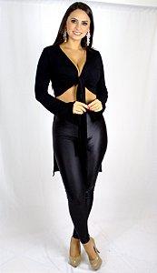 Blusa preta com manga longa nó e cauda