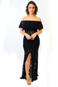 Vestido longo renda babado e fenda frente preto