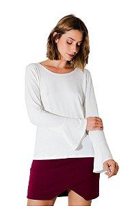 Blusa flare off white com manga longa