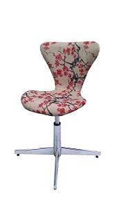 Cadeira Formiga Estofada Modelo LV42 com base 4 pontas em alumínio e regulagem de altura. Lv Estofados