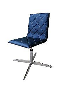 Cadeira  para sala de jantar estofada Modelo LV70M com base 4 pontas em alumínio e regulagem de altura. LV ESTOFADOS.