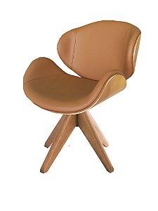 Cadeira Home Office revestida em couro NATURAL e detalhes em madeira ( cor verniz natural) modelo LV40BM com base em madeira maciça e Giratória
