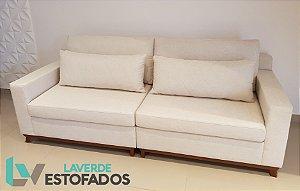 Sofá Fixo alto padrão ( produzido sob medida) , com base em madeira maciça e almofadas para lombares. Modelo LVSFFXBM . Lv Estofados