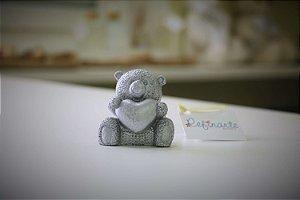Ursinho com coração sentado