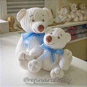 Urso Tricot Teddy Off White com Laço Azul G