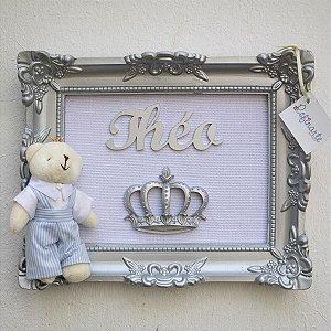 Quadro Porta Maternidade Yuki Ursinho Rei com Moldura Prata e Fundo Branco