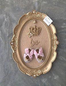 Quadro Realeza com Sapatinhos Princesa e Coroa com Lacinho e LED