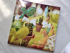 Album de Fotos - Diagramação + Impressão - 20 páginas - Tamanho 21 x 21 cm