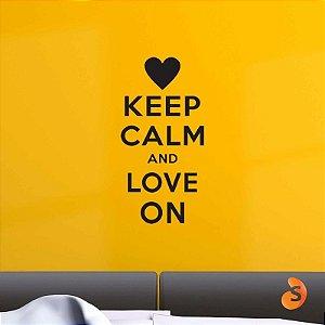 """Adesivo """"Keep Calm and Love On"""""""