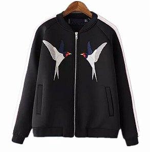 casaco pássaros bordado