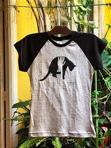 camiseta gato preto - feminina