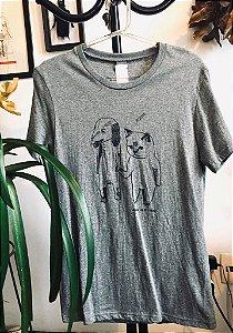 camiseta cão e gato adote