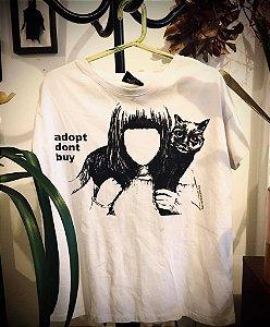 camiseta feminina adopt
