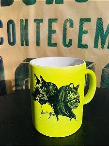 caneca fluorescente raposa e gata