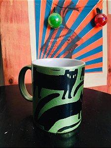 caneca  porcelana perolada verde gato preto