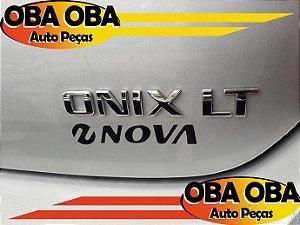 Emblema da Tampa Onix Chevrolet Onix Lt 1.4 Aut Flex 2016/2016