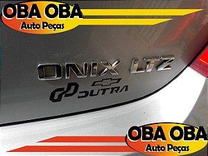 Emblema da Tampa Onix Chevrolet Onix 1.4 Aut Ctz 2016/2016