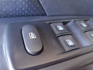 Botão Vidro Elétrico Diant. Esquerdo Renault Captur 1.6 16v