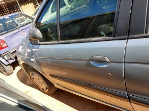 Porta Dianteira Esquerda Renault Scenic 1.6 16v 2004/2005