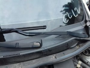Braço Limpador Parabrisa Esquerdo Nissan Versa 1.0 12v 2017