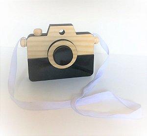 Máquina Fotográfica Retrô Detalhe Preto