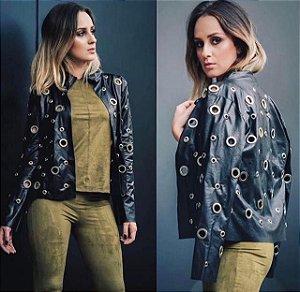 Jaqueta de couro eco de ilhós