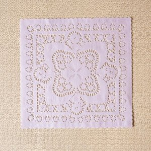 Toalha Rendada de Papel Doilies Quadrada  - 25x25 cm - 6 Unidades