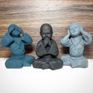 Trio de Monges Sábios Petróleo, Preto e Cinza