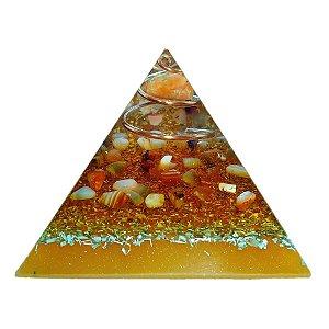 Orgonite Pirâmide Laranja - Identidade | 6x5 cm