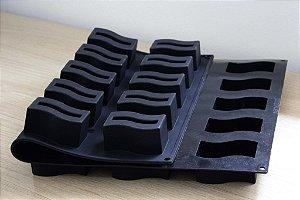 Tapete de silicone 60x40cm com 25 cavidades (ondas)