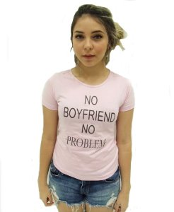 CAMISA NO BOYFRIEND NO PROBLEM (BABY LOOK)