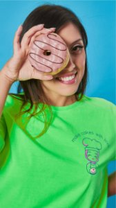 Camiseta Feminina Make Cakes With Love Verde