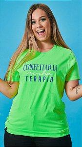 Camiseta Feminina Confeitaria minha Terapia Verde