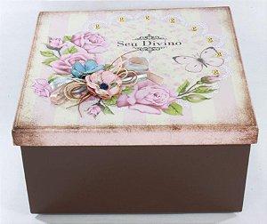 Caixa MDF  Artesnal Presenteavel com 07 produtos Seu Divino conforme descrito.