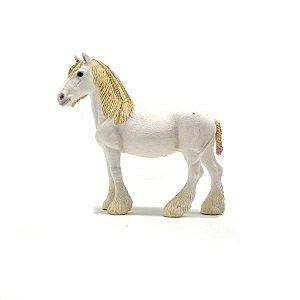 egua branca com trança - scheich