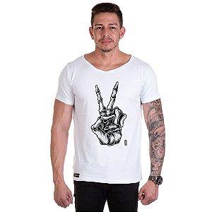 Camisa Camiseta Personalizada Mão Caveira V Dedo