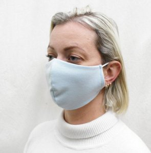 Máscara Azul Claro em Tecido de Camada Dupla com Elásticos