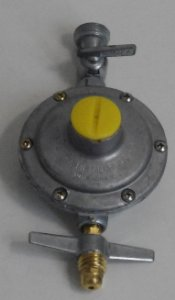"""Regulador Para Gás Residencial GD 2KG/H Para Flexível 1/2"""" Polegada"""