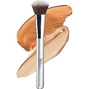IT Brushes For ULTA  Airbrush Smoothing Foundation Brush #102